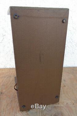 1960 MAGNATONE MODEL 111 AMPLIFIER, 1x8 Speaker, 5 Watt Amp. A Champ killer
