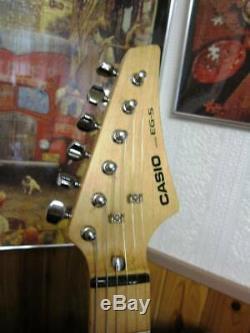 Casio EG-5 EG5 Eleking Amplifier Speaker Built Electric Guitar Tested Working