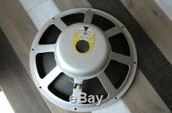 Custom walnut 1x15 bass guitar CAB with 1962 JBL D-140f speaker EXQUISITE