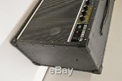 Roland JC-40 Jazz Chorus Stereo Guitar Amplifier 40 Watt 2x10 Speakers