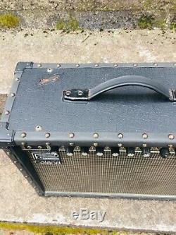 Ampli Guitare Vintage USA Roland Jazz Chorus 77 Watts 210 Enceintes 2x10