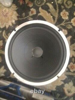 Céleste G12 Alnico Blue Speaker. Très Bien Utilisé. L'impédance Du Haut-parleur Est De 8 Ohms