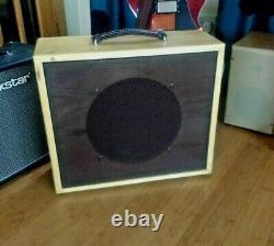 Le Cabinet Du Haut-parleur De Guitare. 1 X 12 Avec Haut-parleur Celestion G12t75 Usagé