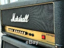 Marshall Amp Avt 50 Head Et Un Amplificateur De Haut-parleur De Guitare 200 Watt Avs 412 Cab