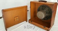 Modèle Vintage 12 Ampro 16641 Guitare 16 & Projecteur 35 MM Haut-parleur Withcabinet 1930