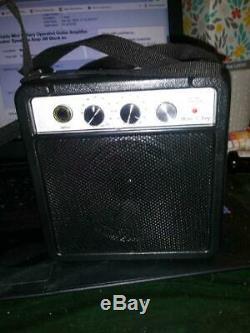 Portable Mini Battery Operated Amplificateur De Guitare Haut-parleur Haut-parleurs 3w Un Ampli Noir
