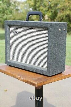 Vintage Supro Guitare Tube Amp Bantam Amplifier 1960 Jensen Président Very Nice